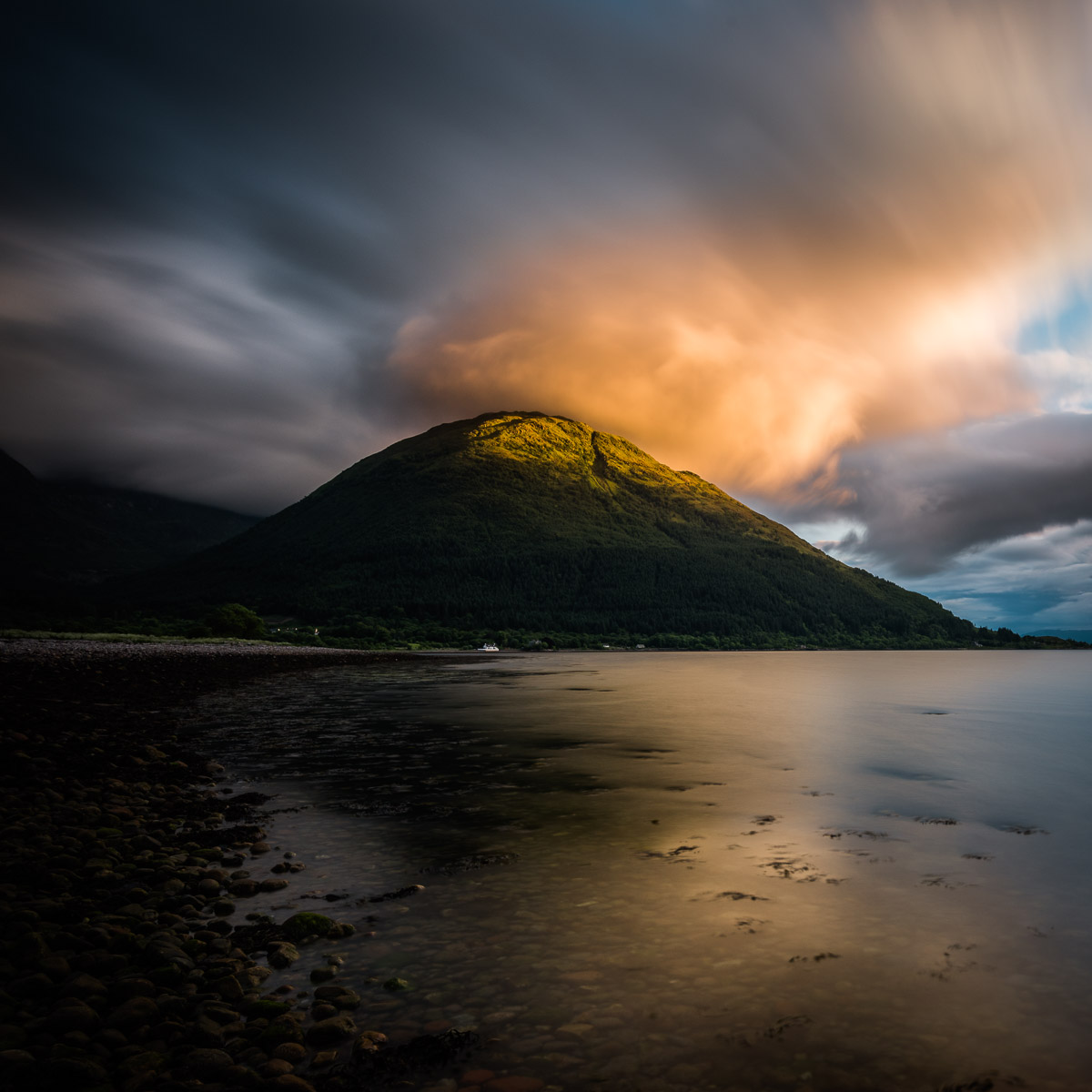 Der Creag Ghorm - bei deutlichem Wind (Glen Coe)