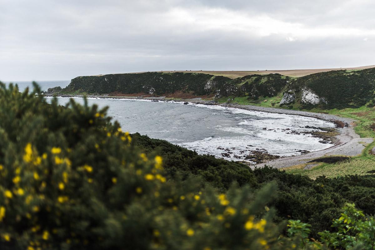 Küste in Cullen (Schottland)